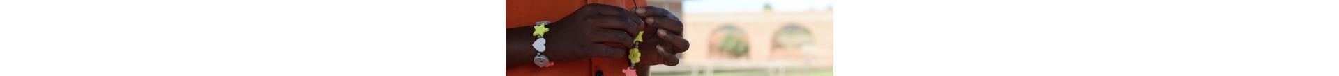 Armband till förmån för trafiksäkerhet i tredje världen